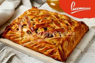 Пирог с мясом и картофелем под сыром